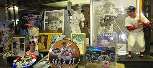 We Mourn the passing of Stan Musial (1920-2013) the Mon Valley's noblest athlete.